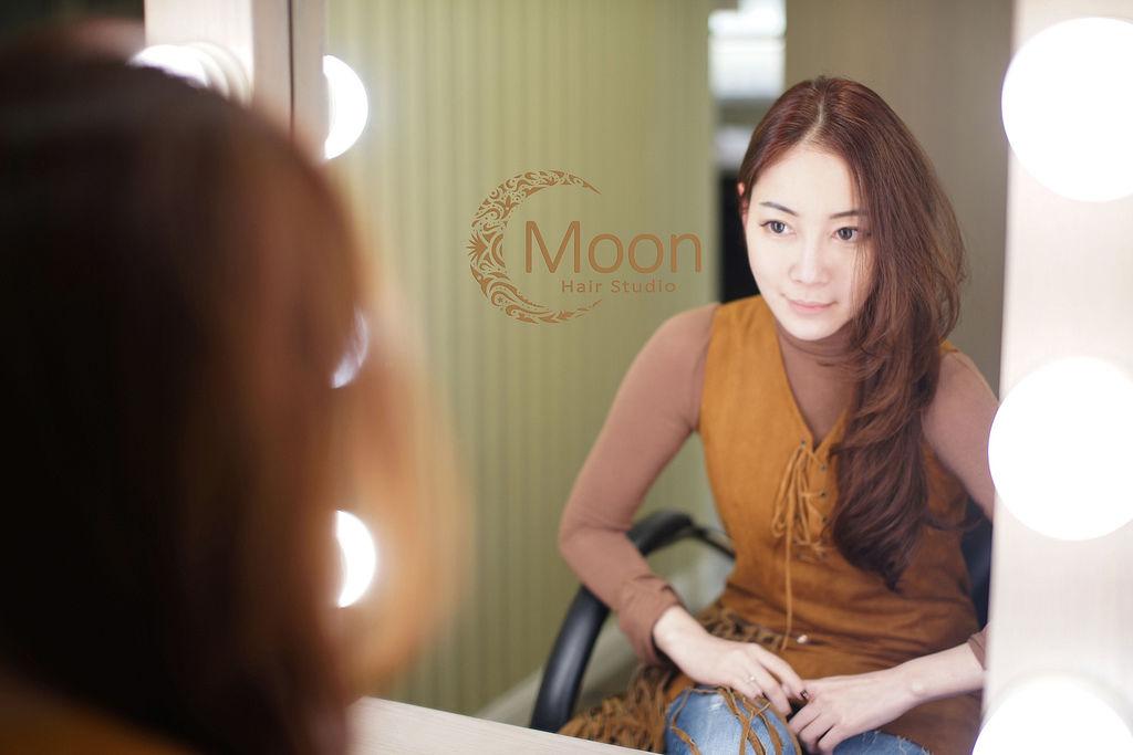 「Moon Hair Studio」