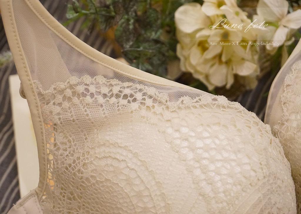 Aor More 專屬妳的內在閨蜜 推薦款:安娜的裙擺 漫步在雲端般的柔軟舒適 法式時尚集中托高 微露誘人深藏乳溝~DSC01166.JPG