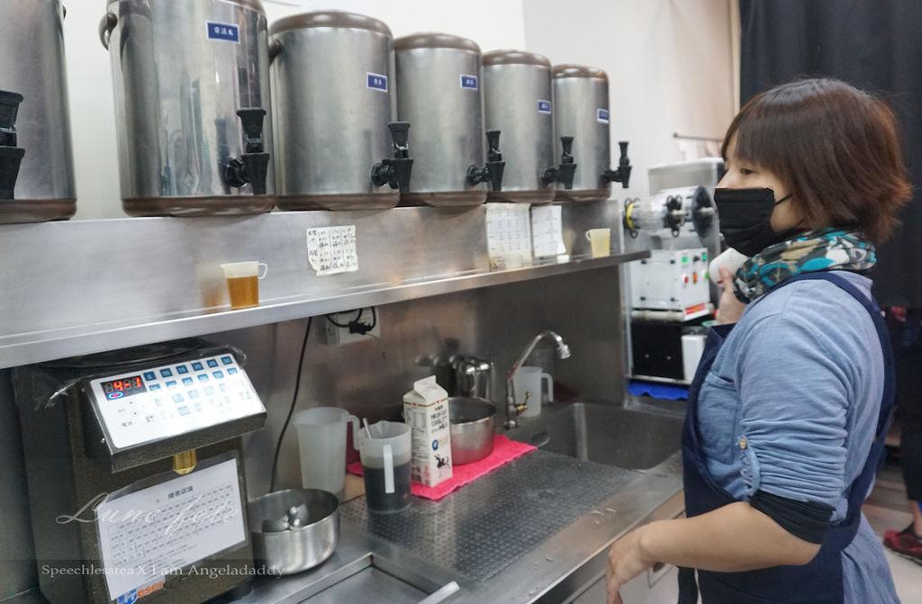 南港中研院默艷 手搖飲料 嚴選SGS認證茶品花品 SQF驗證透明鮮乳 為健康把關!DSC00638.JPG