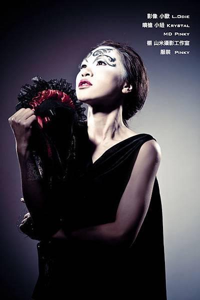 Pinky 黑色之翼-3.jpg