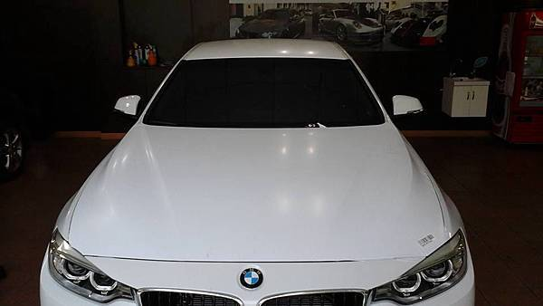 BMW 4系列裝貼頂級V-KOOL隔熱紙
