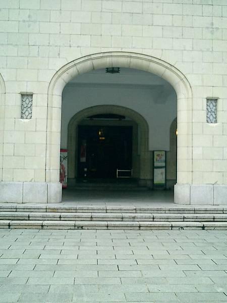 中山堂:正門(車道)