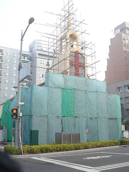 整修中的大堂正面01.JPG