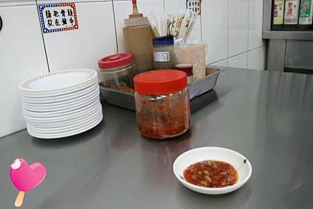 002高雄六合路阿誠麻油雞-乾淨的桌面