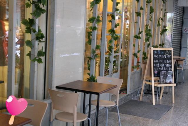 高雄美食咖啡磚磚-戶外區