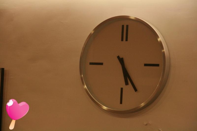 幸福鍋燒-二樓時鐘