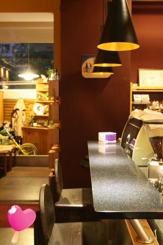 高雄‧前鎮費奧納咖啡館