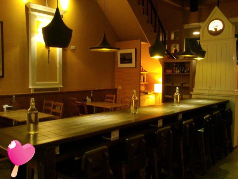 費奧納咖啡館店內靜逸的氣氛