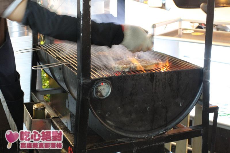 吃不飽碳烤牛排