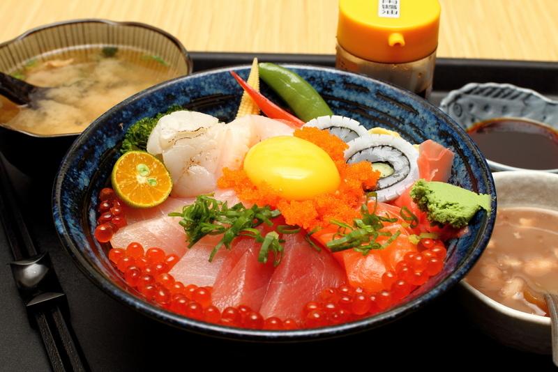 公館捷運站美食-海人刺身丼飯