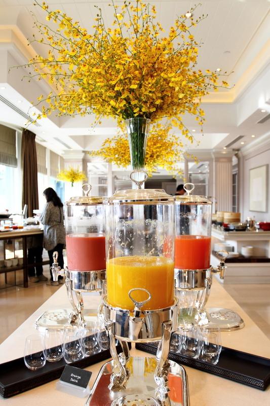 香港半島酒店-露台餐廳早餐