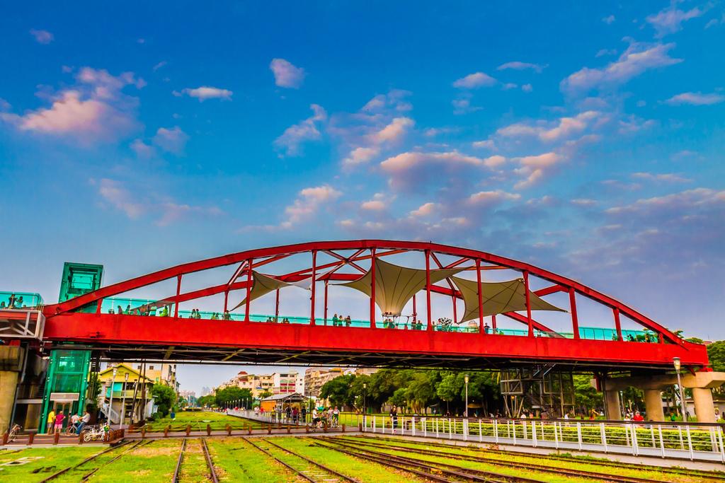 哈瑪星公園路橋鐵道園區-天空雲台