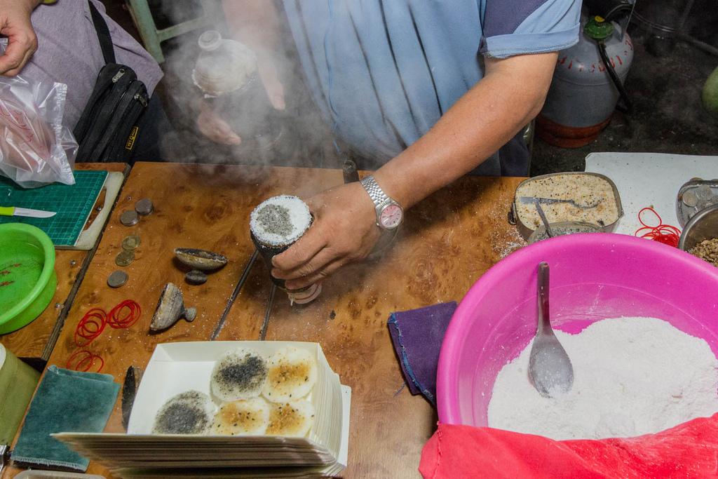 瑞豐夜市美食-狀元糕+紅茶臭豆腐