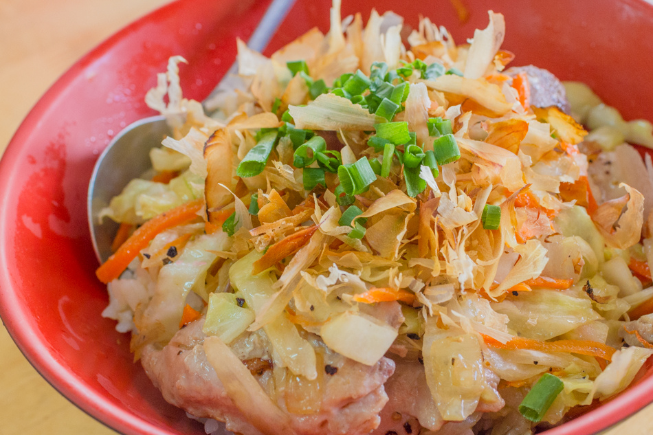 小琉球旅遊-搭玻璃船吃鮪魚蓋飯