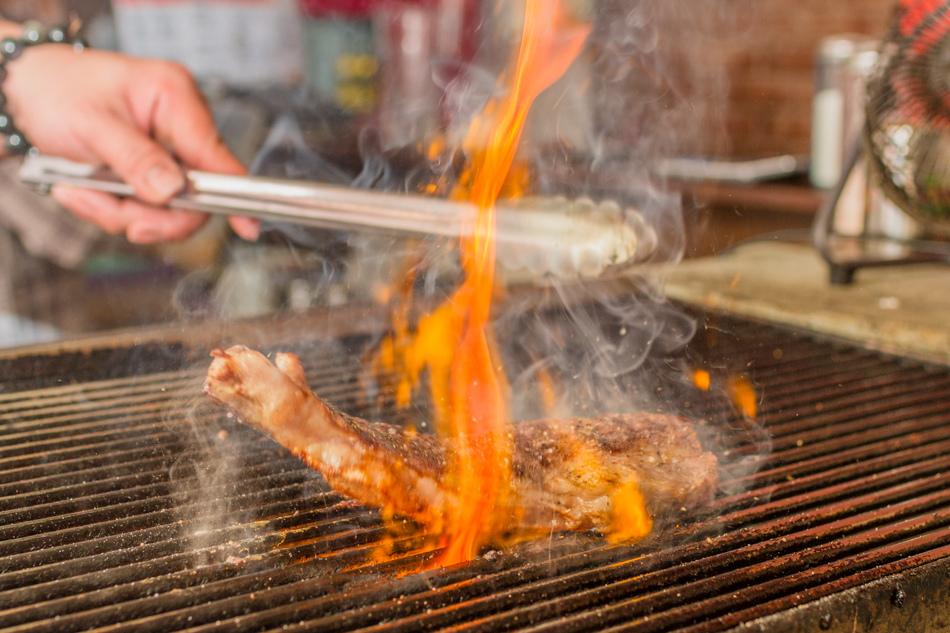 焱燒碳烤牛排