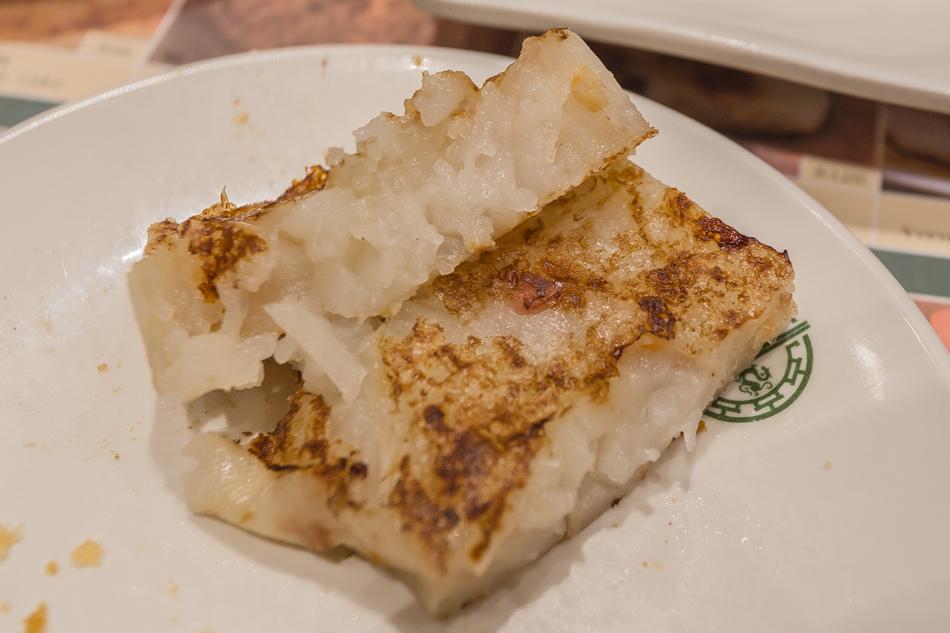 台中美食 - 添好運大遠百店 - 香煎蘿蔔糕
