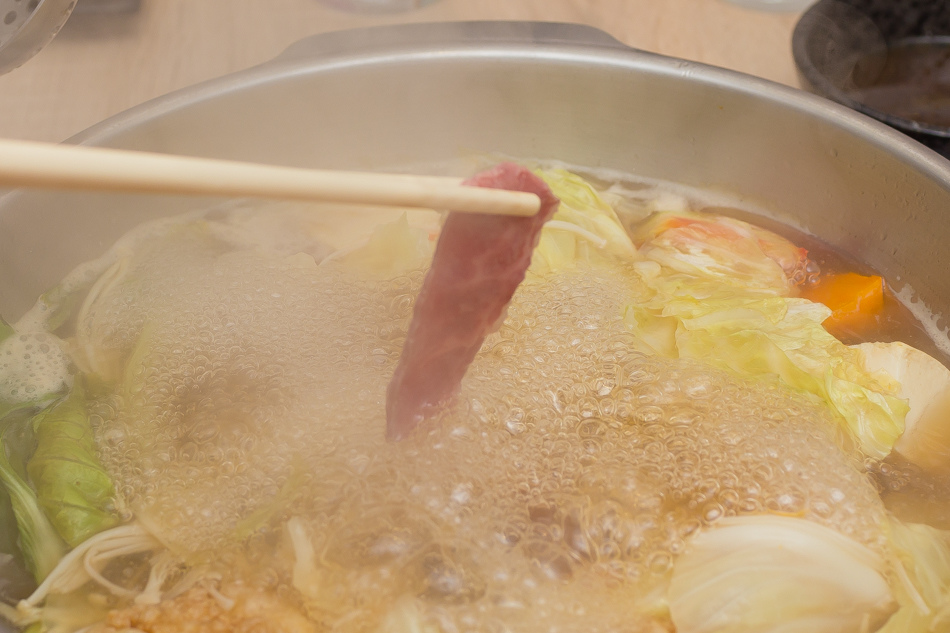 忠孝復興美食牛ㄅㄟㄅㄟ 台灣溫體牛火鍋