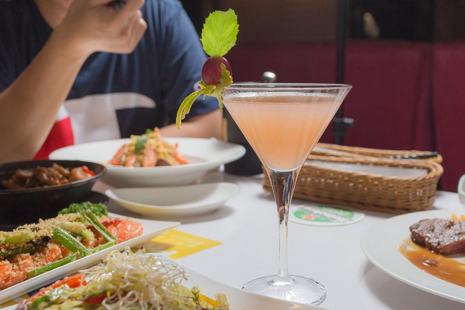 夏朵拉餐酒館