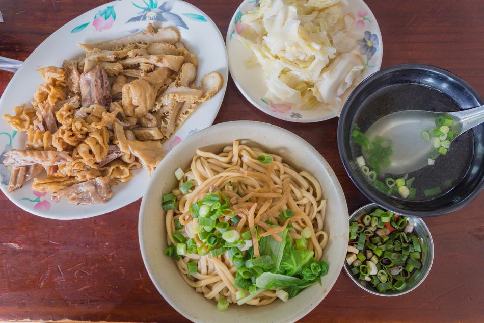 高雄美食 - 鳳山區阿婆仔麵