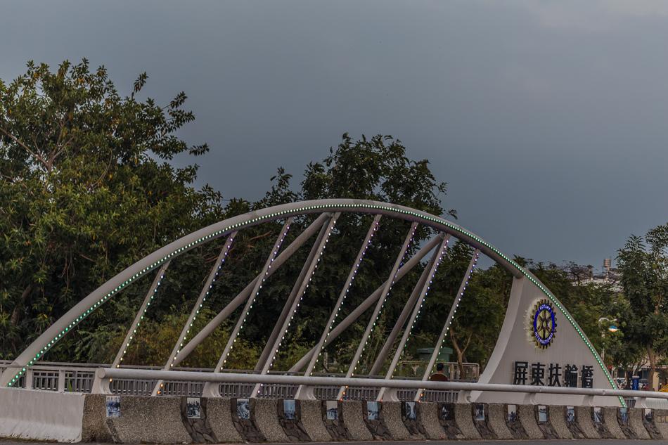 屏東美食 - 鄰舍現烤桶仔雞/屏東千禧公園