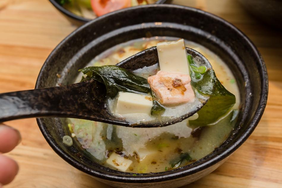 高雄美食 - 森一丼飯。壽司