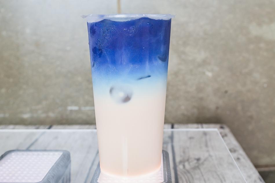 蝶豆花鮮奶冰茶