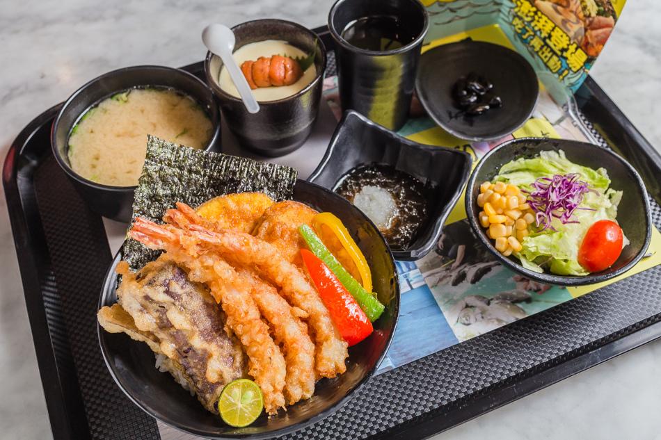 高雄美食-義大世界初丼