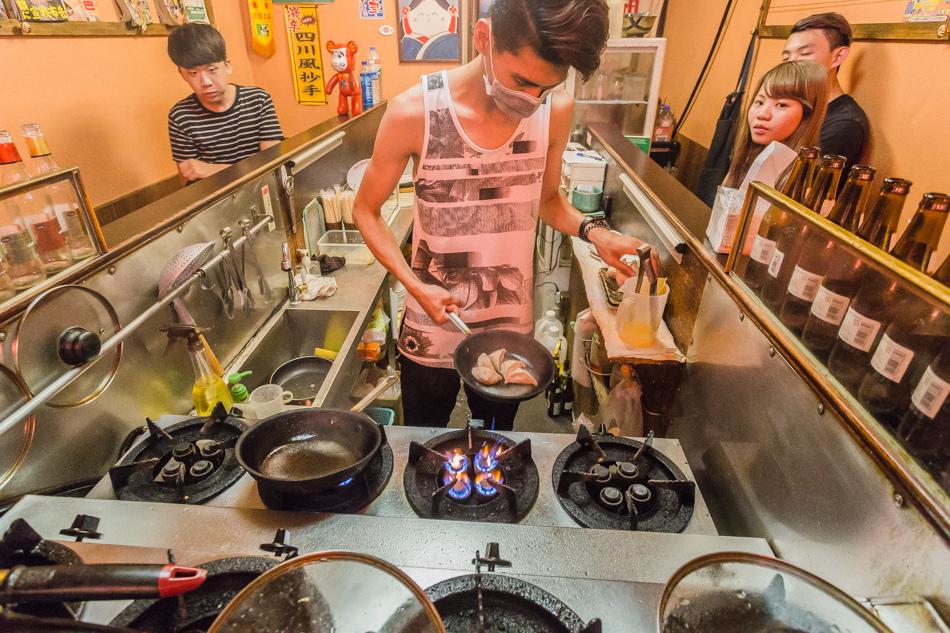 台南美食 - 新美街章魚燒正義餃子