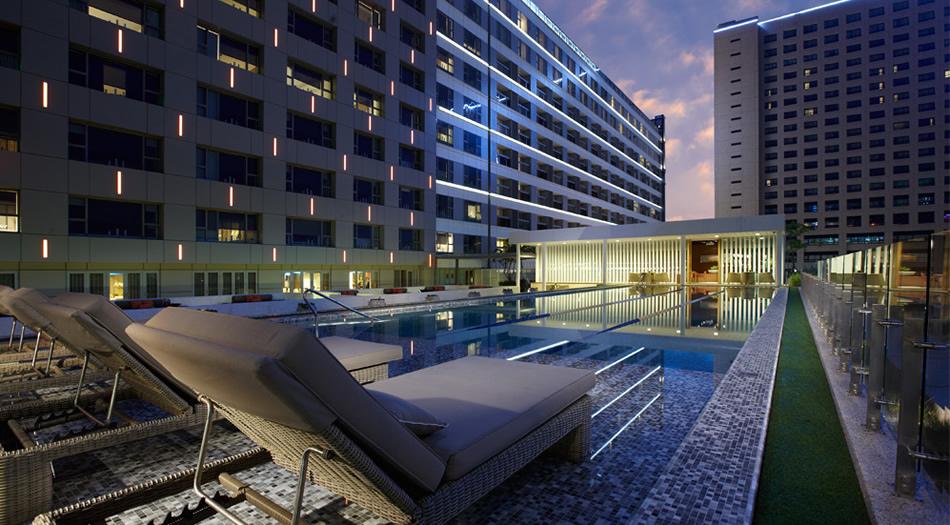 晶英酒店游泳池
