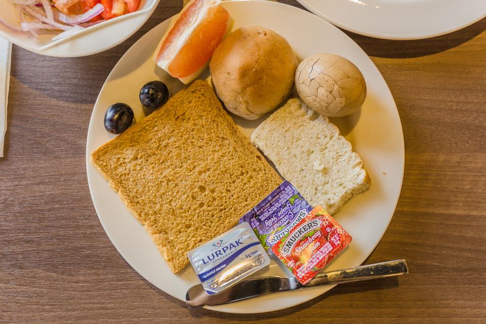 高雄富野渡假酒店早餐 與元旦升旗
