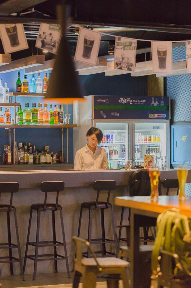 麋鹿背包BISTRO飛鏢餐酒館