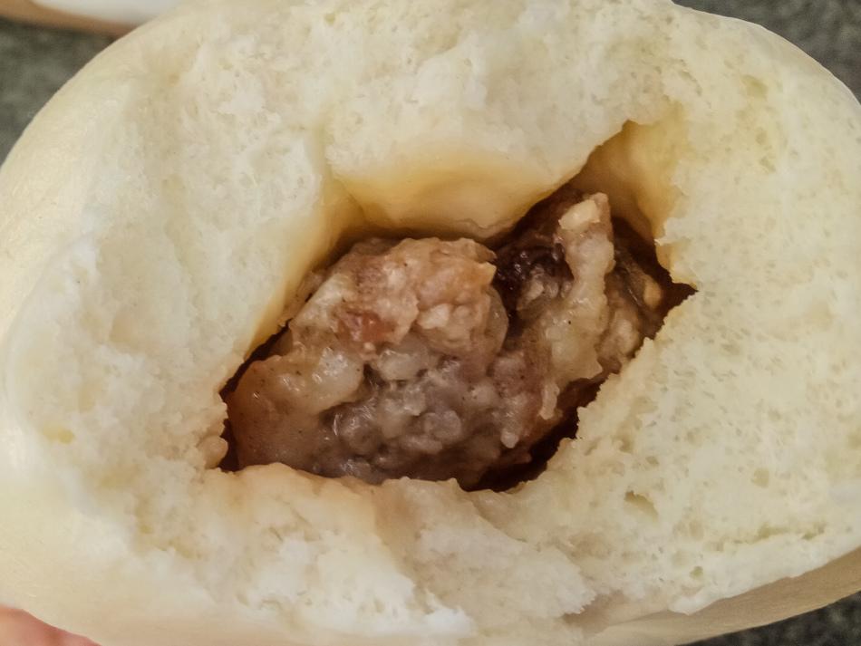 高雄美食 - 岡山後紅肉包