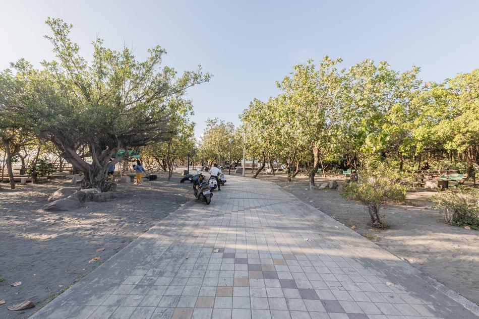 東港鎮海公園 - 無名臭豆腐、黑輪、蜜地瓜