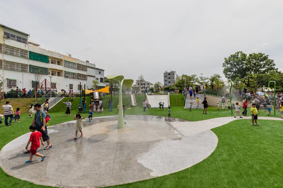 屏東親子旅遊 - 和平公園 / 共融遊戲場