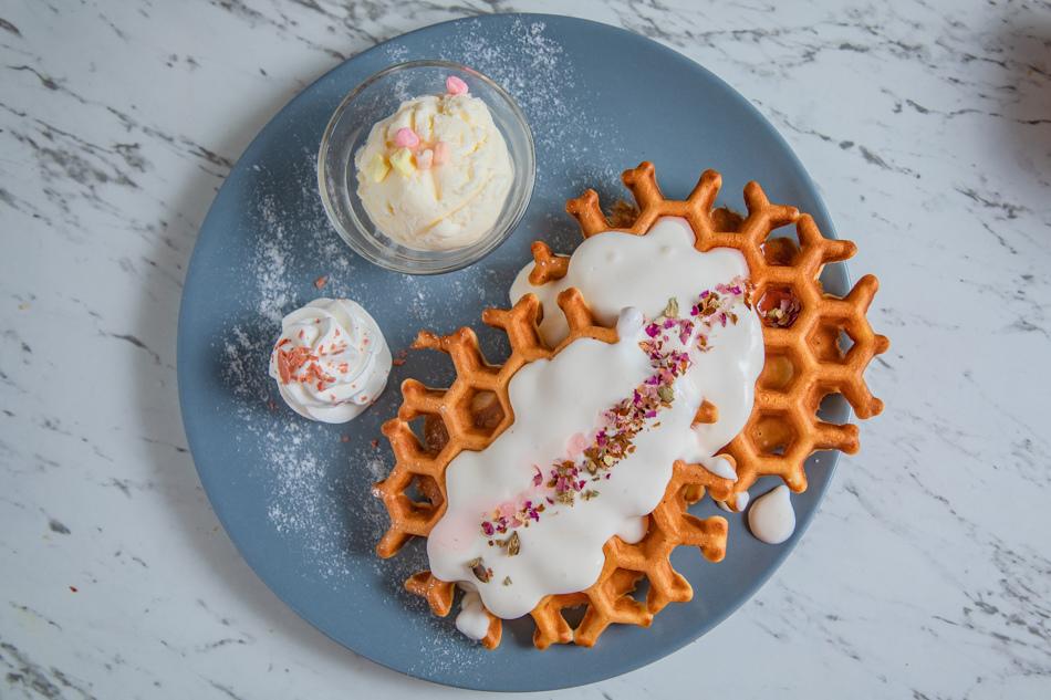 蜂巢鬆餅系列,蜂巢造型的鬆餅好少見哦,真可愛。