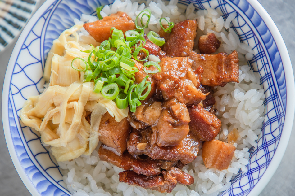 滷肉飯(30元)