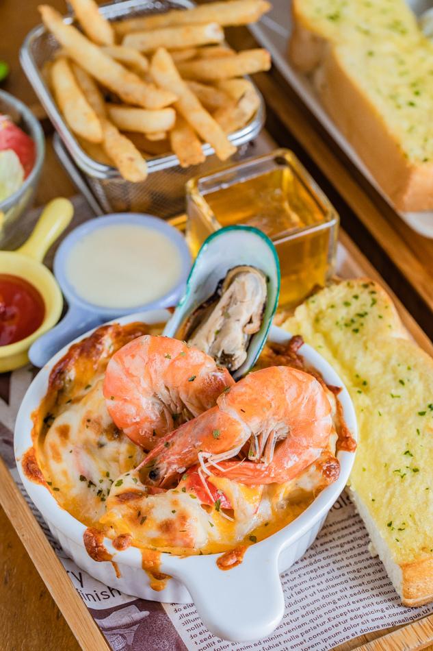 推薦菜色 - 綜合海鮮焗烤拼盤(238元)