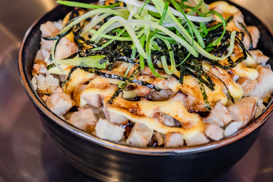 火焰叉燒飯(69元)
