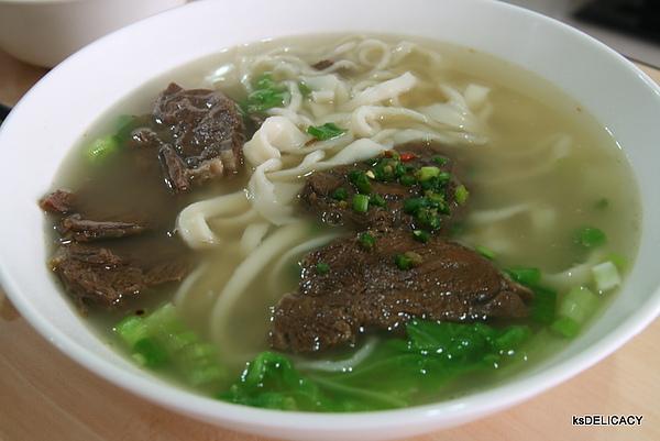 提香渝手拉麵14-清燉牛肉.jpg