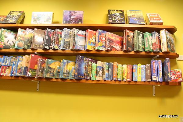 高雄左營遊戲飲食館GameCafe-牆面