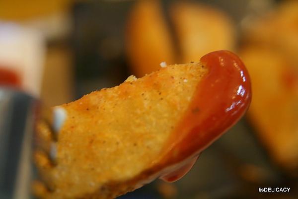 龐奇PUNCH-炸物-半月薯條-蕃茄醬