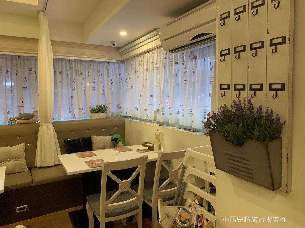 Oyami cafe.板橋 .裝潢 (74).jpg