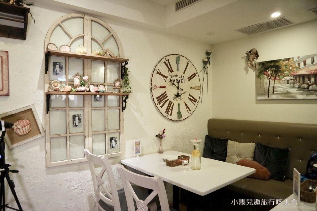 Oyami cafe.板橋 .裝潢 (97).jpg
