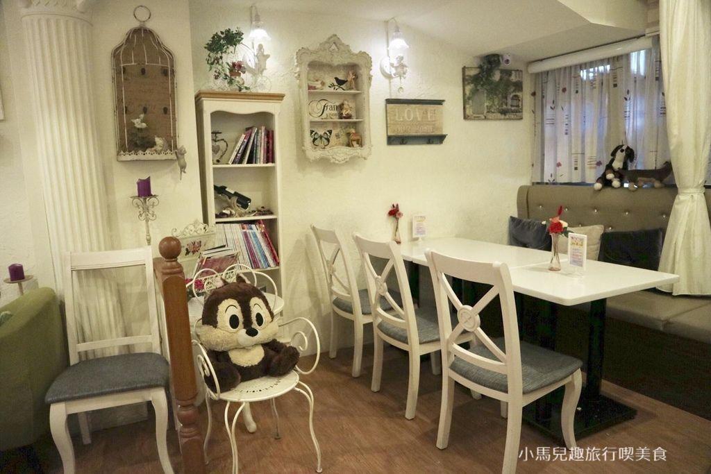 Oyami cafe.板橋 .裝潢 (100).jpg