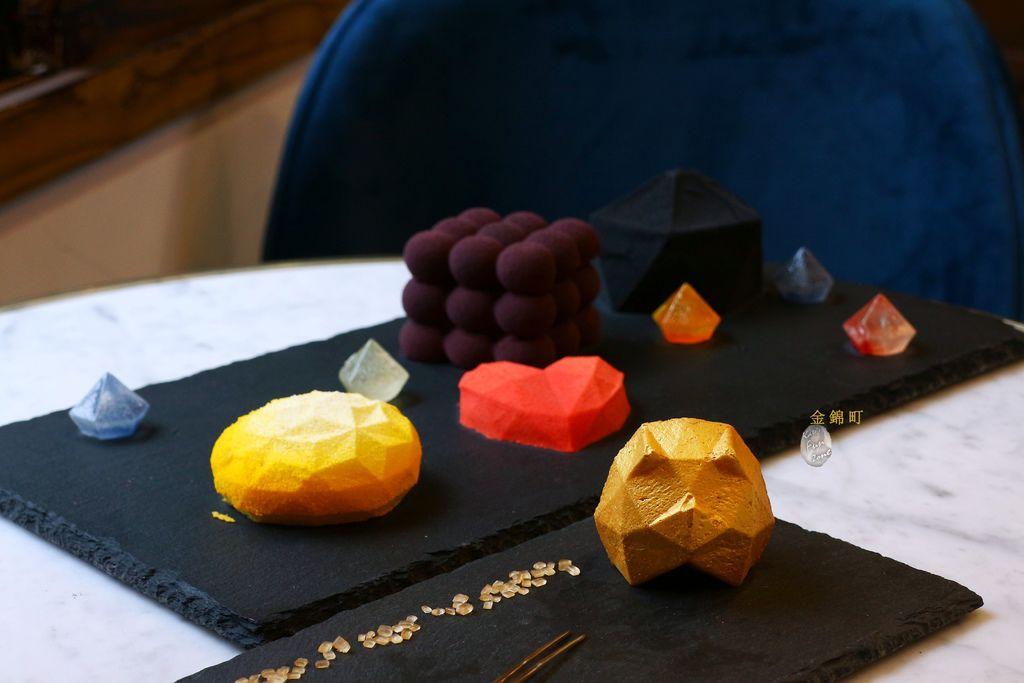 【東門/中正紀念堂】金錦町- 藏身日式老屋的複合咖啡廳|迷人幾何甜點