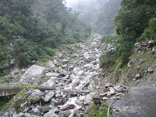 Jul.09-04中橫封閉的谷關-青山段.JPG