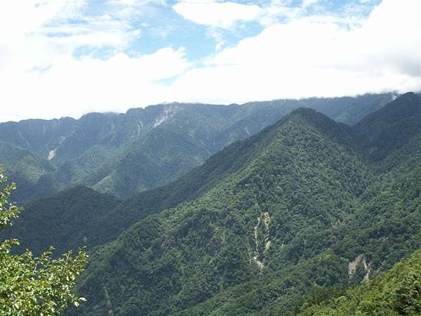 Jul.12-07中橫群山.JPG