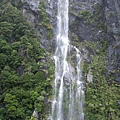 PICT1918-Pounding waterfall in Milford Sound.JPG