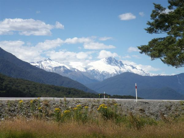 PICT2024-Mount Hooker and glaciers, view from Pleasant Flat, east of the Haast Pass.JPG