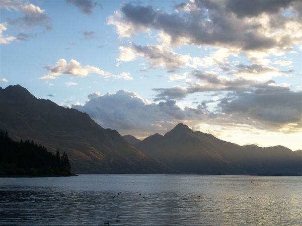 PICT2051-Lake Wakatipu from Queenstown, 'Lord of the Ring'